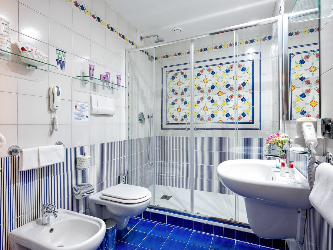 https://www.hotelantaresletojanni.it/wp-content/uploads/2019/08/HotelOlimpo-Novita-ITA-14.jpg
