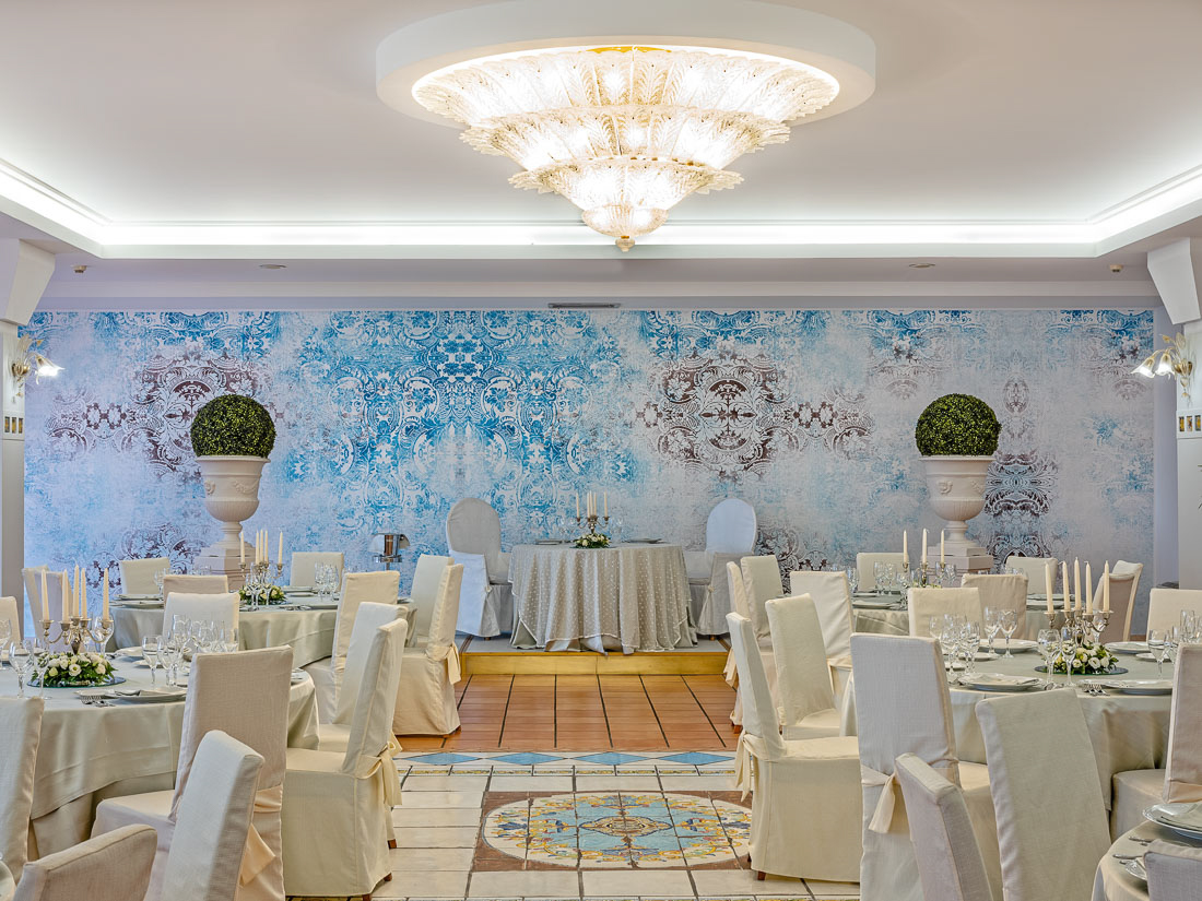 https://www.hotelantaresletojanni.it/wp-content/uploads/2019/08/HotelOlimpo-Novita-ITA-15.jpg